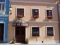 Hotel & Penzion Na hradbách