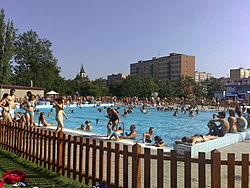 The town outdoor schwimming pool